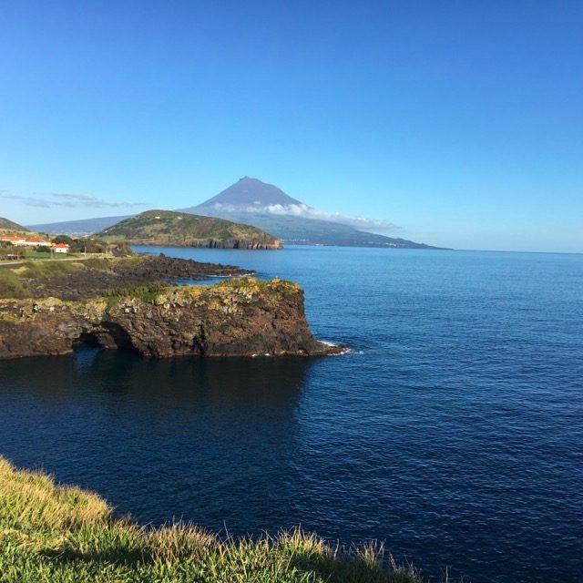 Pico visto da Castelo Branco a Faial, Azzorre