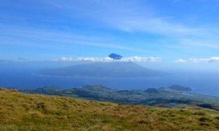Pico visto dalla cima della Caldeira, Faial